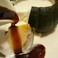 炊飯器で作る☆器ごと食べるHOTかぼちゃプリン [シナモンプリン&ナツメグ香るカラメルソース]