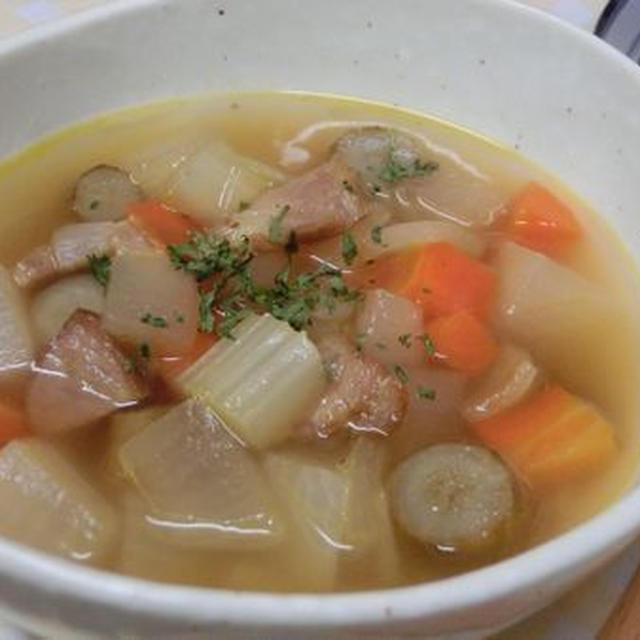 ローリエ香る♪ 栄養満載☆ 野菜コロコロスープ