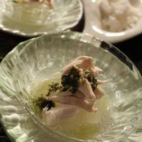 夏の重宝つくりおき冬瓜のスープ煮で冷んやり小鉢 冬瓜と鶏ささみのバジルーソースがけ