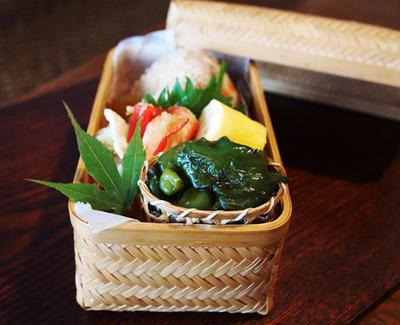 鶏牛蒡飯のおにぎり・・お弁当&お土産♪