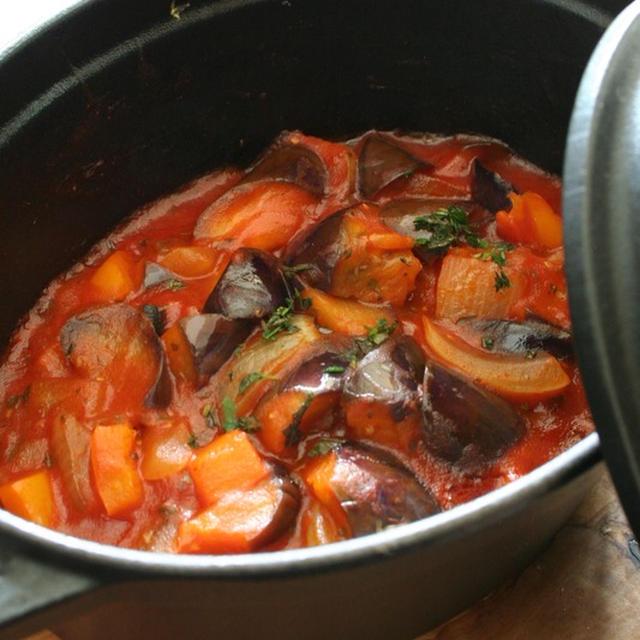 Staub鍋でおいしく、お野菜たっぷり簡単ラタトゥイユ