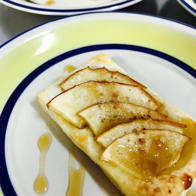 冷凍パイシートで!切ってのせて焼くだけアップルパイ