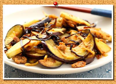 ナスとひき肉の塩こぶ生姜炒め。