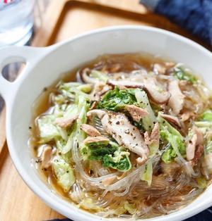 白菜とツナの中華風♡春雨スープ【#簡単 #節約 #時短 #茹で戻し不要 #包丁不要 #ストック食材 #缶詰】
