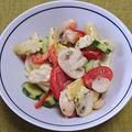 モッツァレラチーズと野菜のバジル風味サラダ