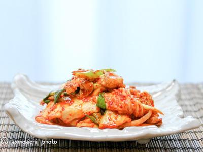 ピリッと美味しい「豚キムチ炒め」&「スパイシーチキンカレーヌードル」