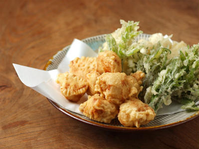 鶏天、うど、たらの芽の天ぷら