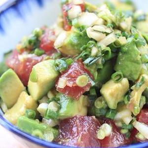 ハワイの海鮮料理はいかが?簡単「ポキ」レシピまとめ