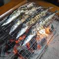 炭火で秋刀魚 by こばぴんさん