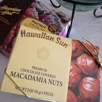 健康のためにナッツ入りチョコ、食べてます!