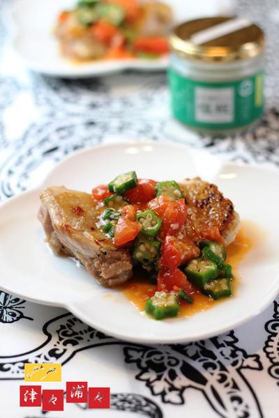 夏野菜と塩糀のチキンステーキ
