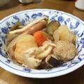 鶏団子と野菜たっぷりのトマト鍋