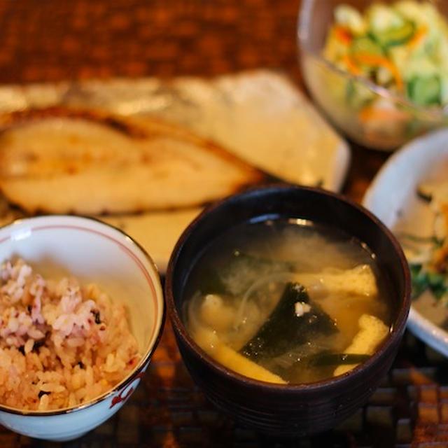 カマスの塩麹漬け焼き キャベツの浅漬けサラダ