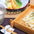 天ざるうどん 胡麻味噌豆乳わかめつゆで♪ リケン「焙煎ごまスープ」で簡単!
