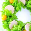 鶏ハムとわさび菜のクリスマスリース♪クリスマスパーティーに作りたい簡単おもてなしレシピ!究極の鶏ハム by みぃさん