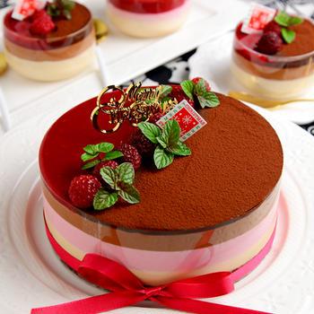 3層ムースで作るクリスマスケーキ(ホールでもカップでも)