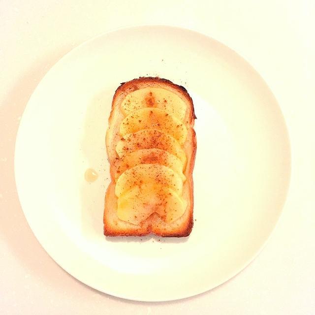 美味しい朝食♪焼きりんごトースト