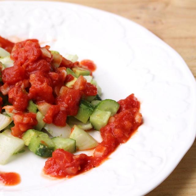 きゅうりとアボカドのピリ辛簡単ダイエットサラダレシピ