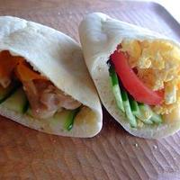 自家製酵母のピタサンド~鶏照り&スクランブルエッグ