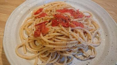 野郎飯流・シンプルなトマトの太いスパゲッティ