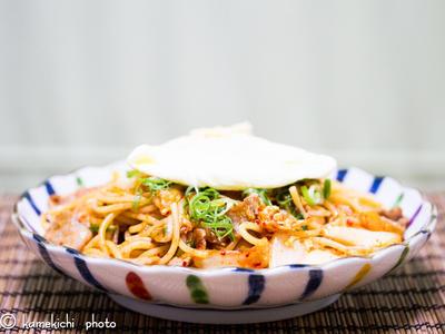ピリッと美味しい「豚キムチパスタ」&「カドメン 濃コクとんこつ」