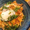 ガッツリお昼に「豚キムチ混ぜ麺」辛く長いレンジなし生活