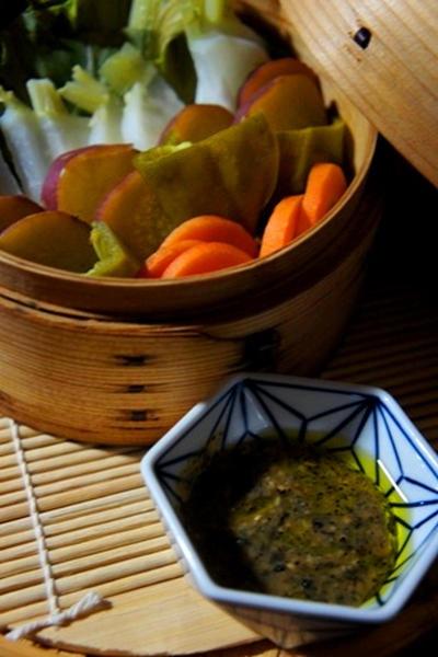 蒸し夏野菜のゴマミソニャカウダ、鯖の梅煮とブルゴーニュのマリアージュ