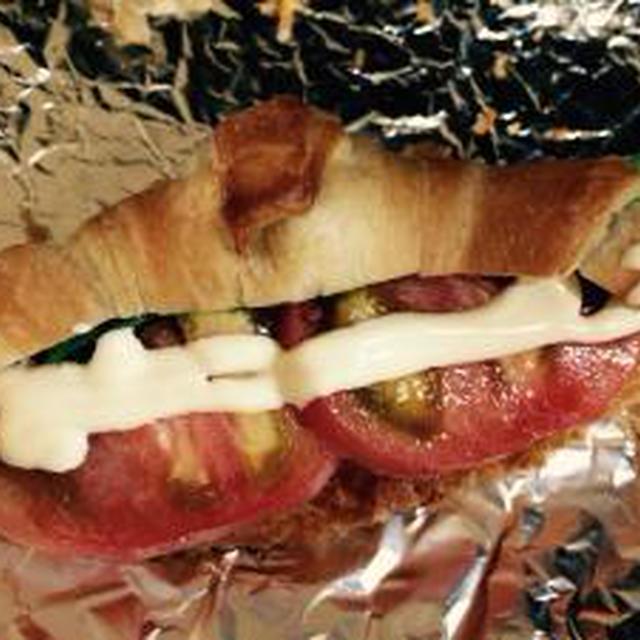 テーブルマーク★クロワッサンでサンドイッチ♪