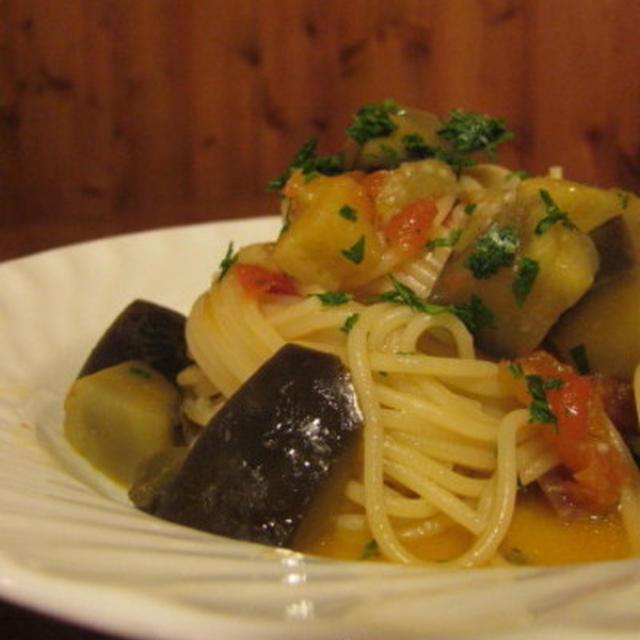 茄子とフレッシュトマトのスパゲッティーニ
