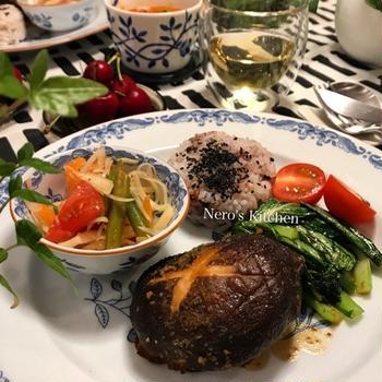 ジャンボ椎茸のハンバーグで晩ごはん♪