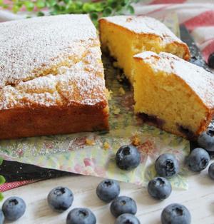 【簡単!HMで】グルグル混ぜて焼くだけ♪ブルーベリーとチーズのパウンドケーキ