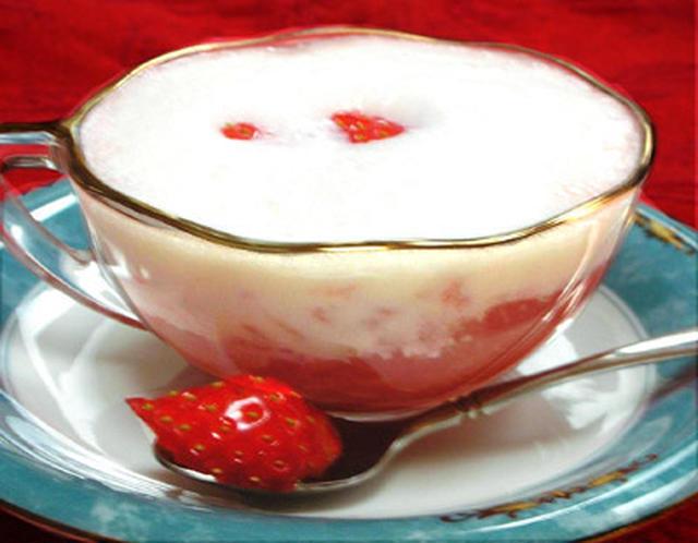 ミルクのいちごジンジャーカプチーノ