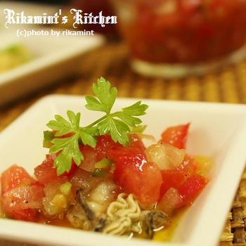 牡蠣のタバスコオイル漬け・ピリ辛フレトマソース添え