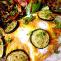 わらびと牛肉のカレー炒めの水玉オムレツ。