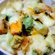 残った野菜を処理して、チーズをかけて焼く☆