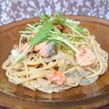鮭と玉ねぎと舞茸と豆乳の最強クリームパスタ