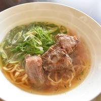【ヤマキだし部】牛テールのWスープラーメン。動物系と魚介系スープの本格派。