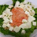 トマトと柿のドレッシングサラダ