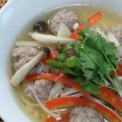 タイ風肉団子スープ