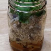 すし酢で簡単♪和風玄米サラダジャー