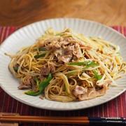 豚もやしパスタ、もやしでカサ増し、筋肉料理人のまかない料理