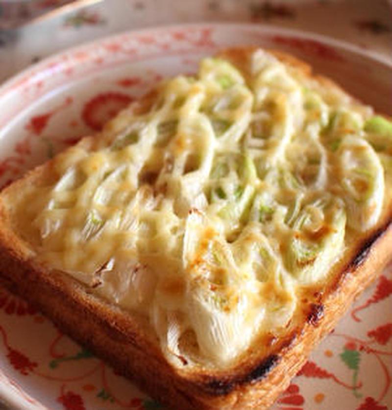 ねぎ好きにはたまらない!「ねぎトースト」でラクうま朝ごはん