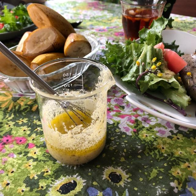 粉チーズで簡単美味しいチーズドレッシング