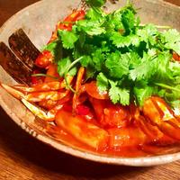 Spicy toppogi with soft crab / 渡り蟹のピリ辛トッポギ