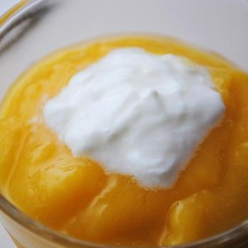 美容と健康に◎!ピュアな甘さと爽やかな風味♪ひんやりとろ~り美味♪マンゴーとオレンジのスムージー