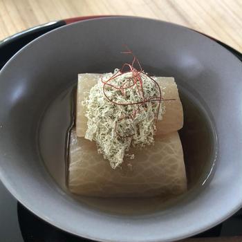 牡蠣だし醤油の旨味とこくたっぷり♪大根のシンプル旨煮