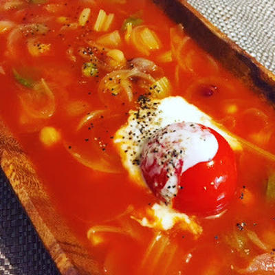 新玉ねぎと完熟トマトのスープ