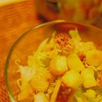 「小岩井 こんがり焼けるチーズ」&白菜のサラダ。