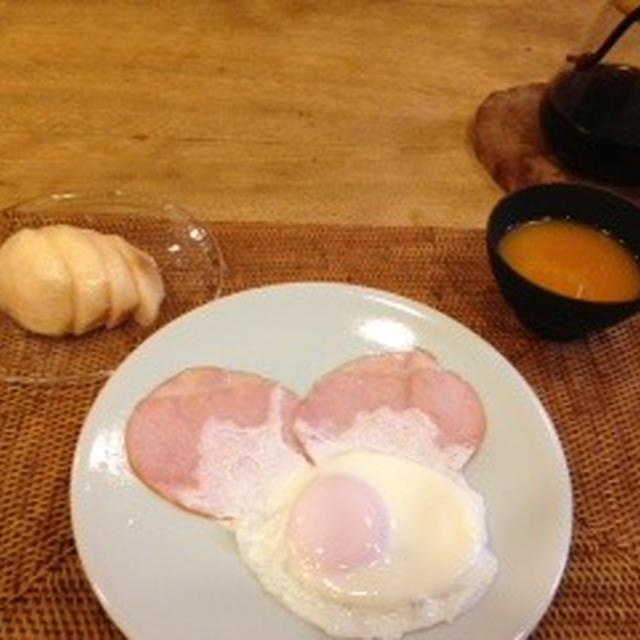 ハムエッグとハンバーグ定食