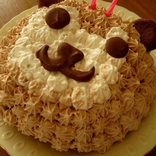 クマの誕生日ケーキ